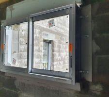 Fenêtre coulissante chambre RDC