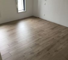 Parquet stratifié de l'étage Berry Alloc Smart V8 crush brown naturel