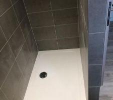 Douche des enfants manque porte vitrée
