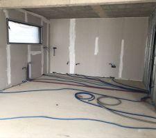 Installation des gaines électriques et arrivée d eau de la cuisine
