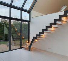 Escalier et son reflet en fin de journée