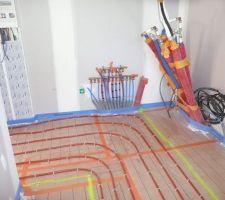 Installation chauffage dans le cellier.