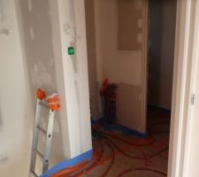 Installation chauffage pallier de l'étage.