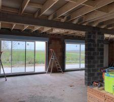 Pose des rails et vue depuis les baies vitrées