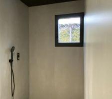 Installation de la tête de douche terminée