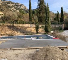Terrasse piscine en cours