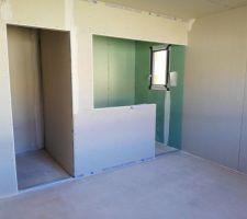 Salle d'eau, dressing, chambre parentale