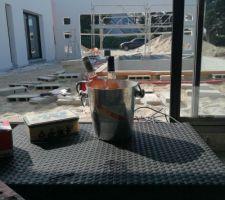 Gros chantier en perspective pour la terrasse , une pause s'impose..