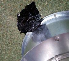 Fixation des bouches de VMC DF au Durelis avec caoutchouc liquide au niveau des vis.