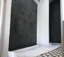 Carrelage + carreaux de ciment de la  salle de bain de la suite parentale