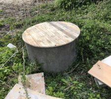 Couvercle du puits. Merci à mon cher voisin pour cette fabrication sur mesure !