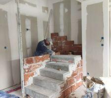 Escalier préfabriqué en béton (AZAM)