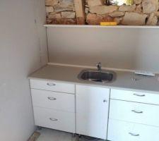 Début du montage wc + coin cuisine dans la grange