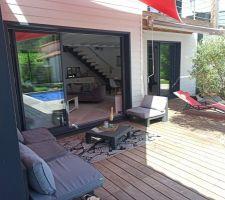 3 ans 1/2 après la construction... On profite à fond de la terrasse et des extérieurs