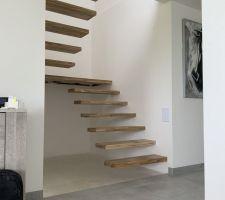 Escalier terminé ! De jour.