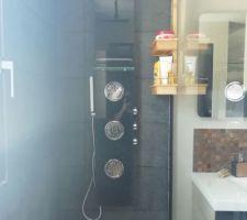 Salle d'eau de la suite parentale
