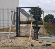 Le plus compliqué... pose de la clôture avec soubassement et portillon