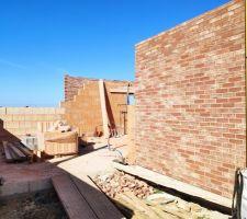 Prorotherm + briques Vandersanden moulées main Garage mur sud