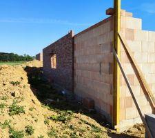Prorotherm + briques Vandersanden moulées main Garage angle murs nord-ouest