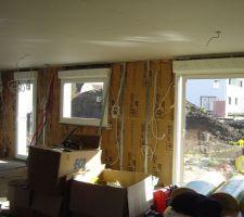 Les travaux intérieurs ont commencé, ils habillent la maison.