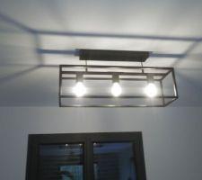 Luminaires cuisine installés.