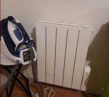 J'ai mis les radiateurs fluide des enfants dans les chambres du bas a la place des anciens convecteurs(grille pain)