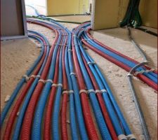 Sanitaires : Mise en place tuyaux PER