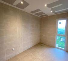 éclairage spots salle de bain étage