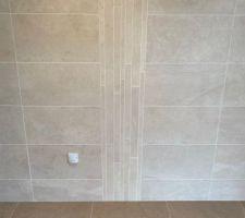 Frise salle de bain étage