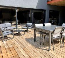 Table et chaises Hesperide  Salon LM