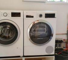 Le lave-linge et le sèche-linge sont installés