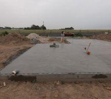 Dalle de compression (17cm > 4cm d'épaisseur) plancher rez-de-chaussée.