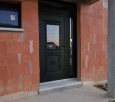 Double porte d'entrée avec imposte au dessus