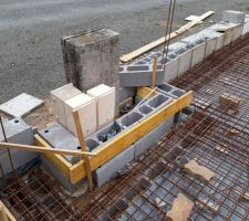 Coffrage sévère car 20 tonnes de béton ça pousse fort!