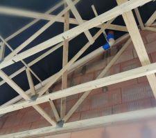 Ventilation de la micro station... Je m'étonne de ce que du scotch bleu peut bien faire là ?