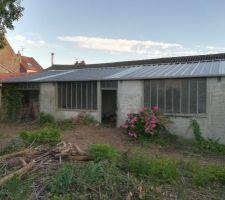 """La """"cabane"""" avec son nouveau toit"""