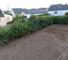 Le jardin ce soir après l'enlèvement des terres