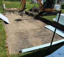 Excavation et début de l'installation de l'isolant
