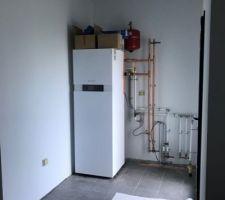 Installation de la pompe à chaleur en cours Marque Viessmann