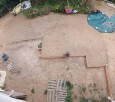 Le terrassement du jardin en cours