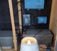 Electricité en place avec du 230V qui sort de l'onduleur :)