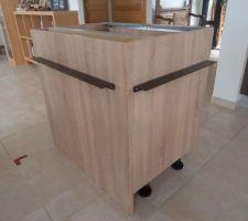 Implantation du meuble inséré dans l'ilot  de  cuisine