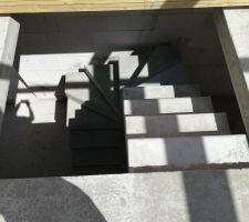 Escalier en béton décoffré
