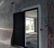 Porte d'accès au garage