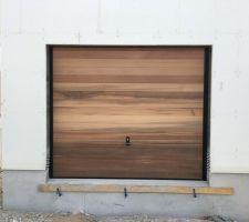 Porte de garage en Red Cedar