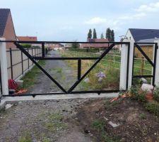 Le portail nu.