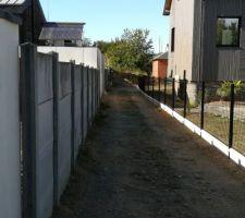 Mise en place de la clôture de l'allée (29m environ)