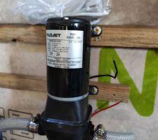 Pompe à eau Flojet 24V