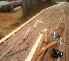 Volige neuve sur les avant toit