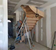 Escalier bois deux quart tournant